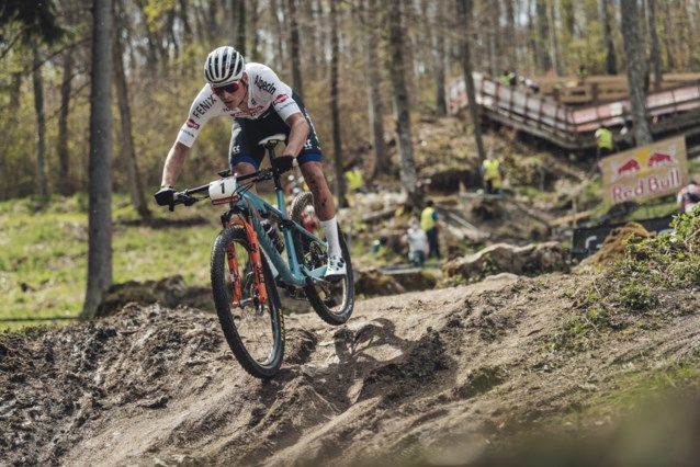 """Mathieu van der Poel gaat met mountainbike zeker door tot Parijs 2024: """"Goud in Tokio of niet"""""""