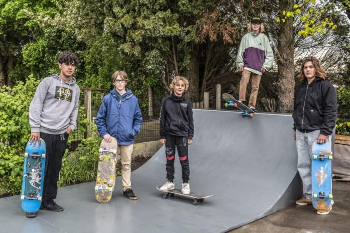 """Dario opent skatepark in afwachting van vaste stek: """"In coronatijden zoeken jongeren naar een manier om zich uit te leven"""""""