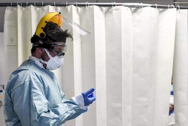 Aantal ziekenhuisopnames en overlijdens door Covid-19 blijven sterk dalen