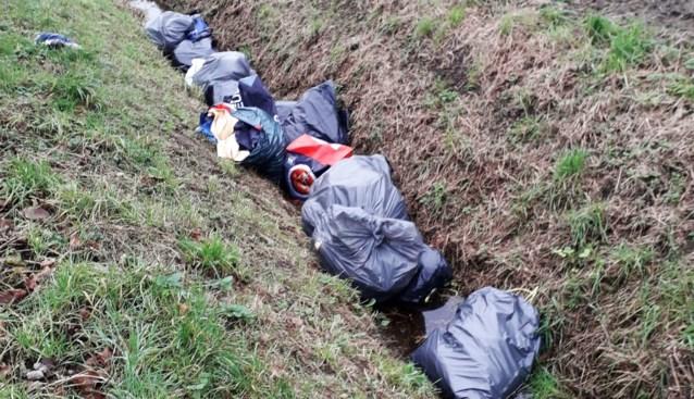 Gemeente laat sluikstorters dan toch 250 euro betalen voor opruimen afval