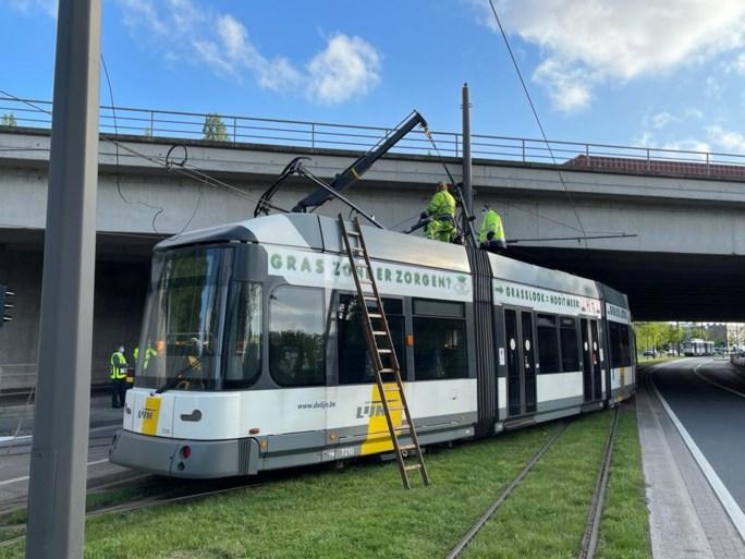 Breuk in bovenleiding Ruggeveldlaan legt tramverkeer op lijn 8 plat
