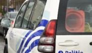 Dronken bestuurder rijdt met auto tegen gevel