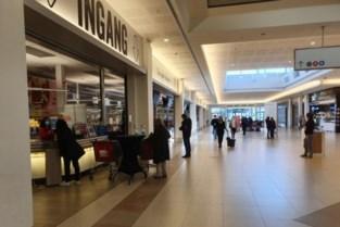 """Straf met uitstel voor vrouw die veiligheidspersoneel winkelcentrum bespuwt: """"Ik had alleen een kriebel in de keel"""""""