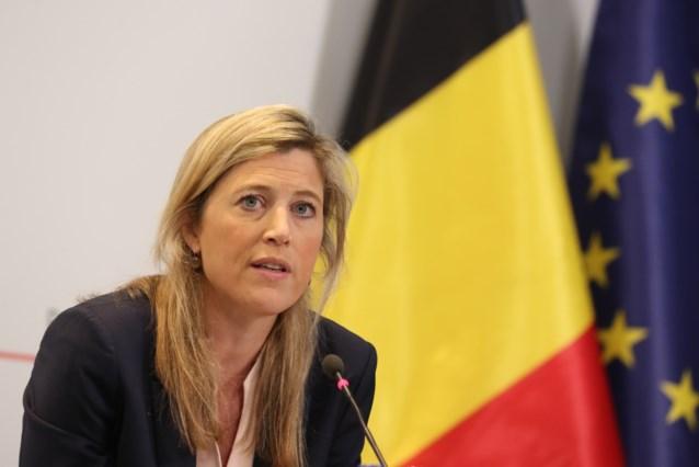 """Minister van Binnenlandse Zaken Annelies Verlinden: """"Politie zal zacht handhaven"""""""