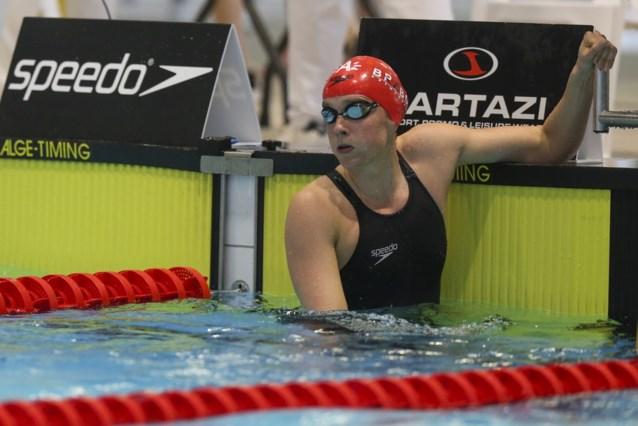 Kimberly Buys uitgeschakeld in halve finales 100 meter vlinderslag op EK zwemmen