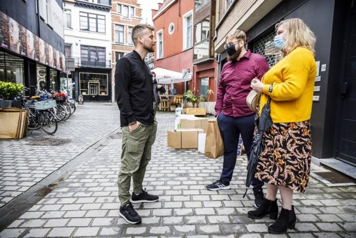 Tourist LeMC ontmoet fans in eigen pop-upshop