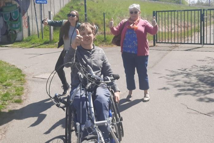 Nieuwe vereniging voor mensen met handicap start met Disneywandeling