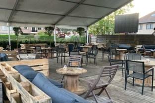 """Hier een terrastafeltje reserveren op vrijdag? """"Dan vragen we om 100 euro te spenderen"""""""