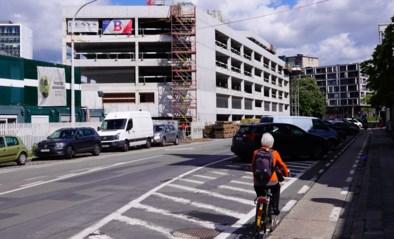 Fel geplaagde parkeertoren in Ledeberg dan toch bijna klaar