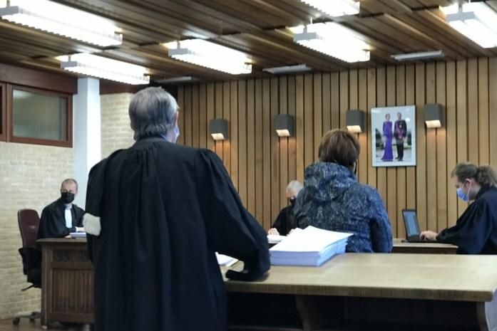 """Ex-advocate (58) liet terras aanleggen en kocht jacuzzi met geld van kwetsbare mensen: """"U bracht hen nog meer in de miserie"""""""
