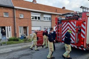 Arbeider loopt brandwonden op na steekvlam in pot grondverf