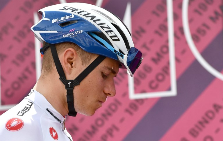 """Remco Evenepoel vol vertrouwen tijdens de rustdag: """"Of ik geloof dat ik de Giro kan winnen? Als ik niet in mezelf geloof, was ik niet gestart"""""""