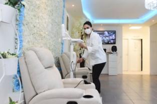 Zussen openen schoonheidssalon Clinique La Vie