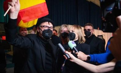 """Hooverphonic naar finale Songfestival: """"We kunnen terugkeren naar België zonder onthoofd te worden"""""""