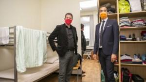 Staatssecretaris Mahdi toont interesse in Antwerps daklozenproject