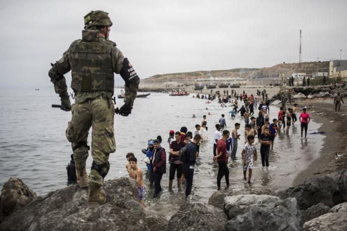 Ongeziene toestroom van migranten in Spanje na strategische zet van Marokko