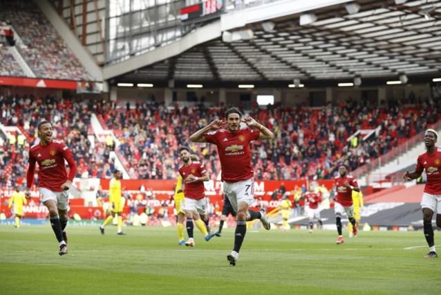 Edinson Cavani verwent (misnoegde) fans bij terugkeer met geniale goal, maar Manchester United kan niet winnen