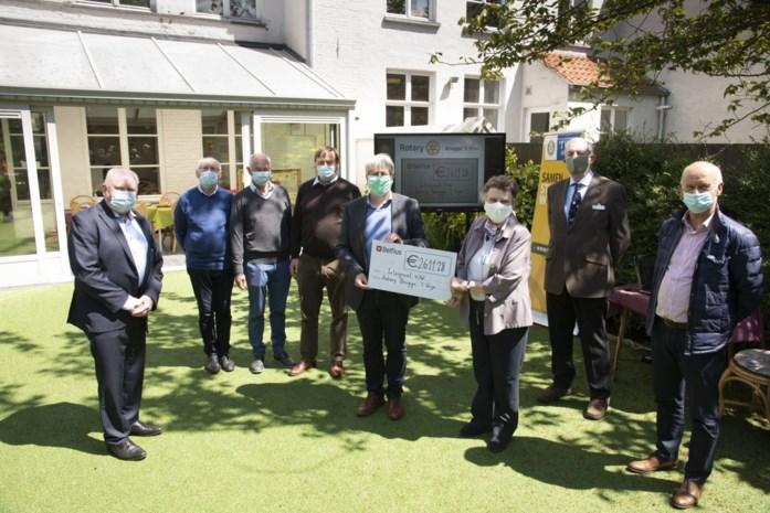 Rotary Brugge schenkt smartboard aan Integraal