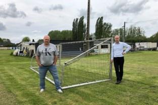 """Pieter (51) en Simon (41) willen padelvelden aanleggen, maar dat zien buurtbewoners absoluut niet zitten: """"Dit gaat er los over"""""""