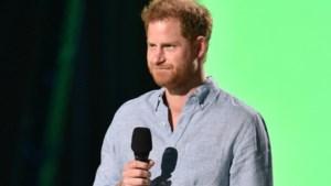 """Prins Charles """"diep gekwetst"""" na interview van prins Harry: """"Hij weet niet wat hij moet doen"""""""