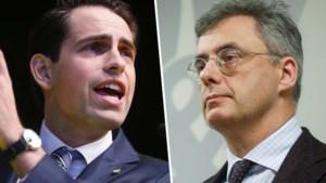 """Vlaams Belang veruit op kop, CD&V zet neergang voort in nieuwe peiling: """"Hun probleem? Onzichtbaarheid"""""""