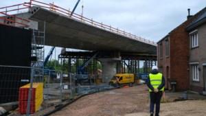 Zeven Diepenbeekse treinoverwegen definitief weg tegen zomer 2022