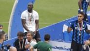 Emotionele Duivels: Romelu Lukaku laat tranen de vrije loop bij titelviering Inter, ook 'Speler van het Seizoen' Tielemans in tranen