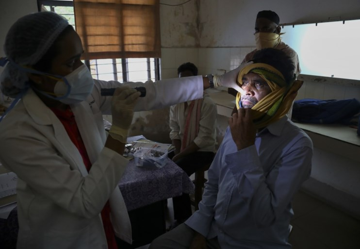 Al duizenden gevallen van dodelijke schimmel in India, opvallende link met coronavirus