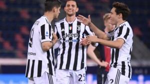 SERIE A. Juventus kruipt door het oog van de naald en mag dankzij puntenverlies van Napoli naar Champions League