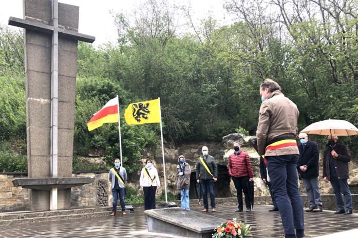 Ingetogen herdenking van de Roosburgramp in Zichen