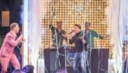 Ilsen & Verhulst ft. Gert, James én Jan Smit brengen live 'Mooi zo' in 'De Cooke & Verhulst show'