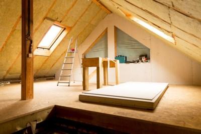 Je zolder transformeren tot een volwaardige kamer? Zo ga je te werk bij de renovatie