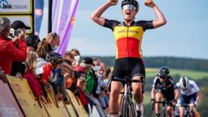 Sterke Lotte Kopecky knalt iedereen uit het wiel en wint etappe in Duitse rittenkoers