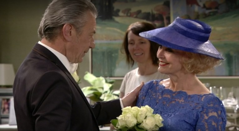 Why nobody saw Marianne say 'yes' in 'Home': fans get a nice moment with a huge cliffhanger