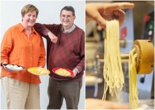 """Kristl (58) maakt pasta voor Kevin De Bruyne en andere Rode Duivels: """"Nu voel ik me mee verantwoordelijk voor hun succes"""""""