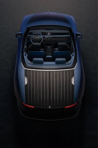 Rolls-Royce produce l'auto più costosa di sempre con tenda da sole e tavolo da picnic integrati