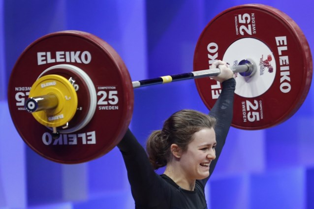 Nina Sterckx verovert zilver op WK gewichtheffen voor junioren