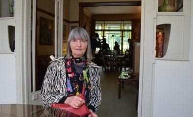 """Binnenkijken in art-nouveauparel die van de sloophamer werd gered: """"Mijn ouders waren op slag verliefd op dit huis"""""""