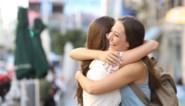 Mogen we nu knuffelen en kussen wie we maar willen? Social distancing op de helling in ontwerp van minister Verlinden