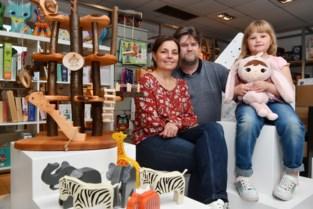 'Kind van Hout': speelgoedzaak gaat voor hout en kurk, en weert batterijen