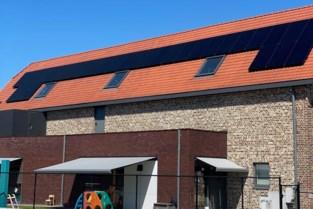Zonnepanelen op dak van het kinderdagverblijf