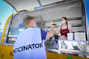 """Gratis ijsjes voor vrijwilligers vaccinatiedorp Spoor Oost: """"Een welgemeende dankjewel"""""""