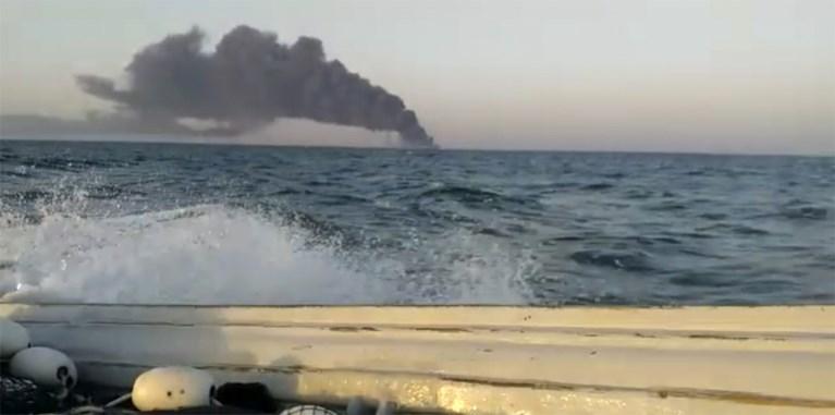 Bevoorradingsschip Iraanse marine gezonken in Golf van Oman na brand aan boord