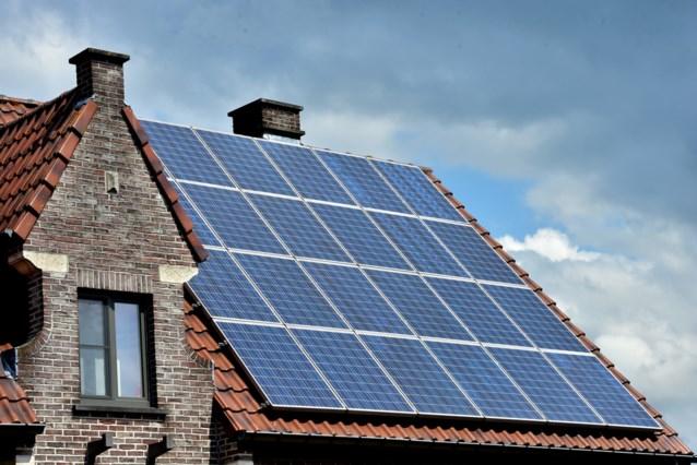 Parlement reikt oplossing aan voor dubbele aanrekening netkosten zonnepaneleneigenaars