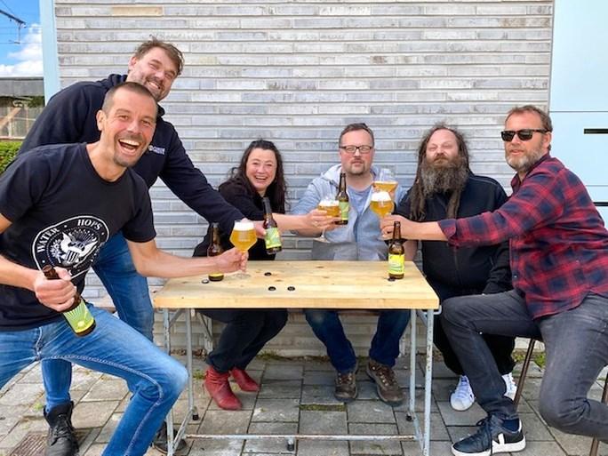 """Nieuwe biertjes duiken op in Gentbrugge: """"We maken bier met een hoek af"""""""