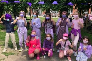 Speelplaats kleurt paars tegen homofobie