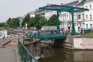 Het groene brugje aan de Coupure is bijna klaar: nog een weekje geduld