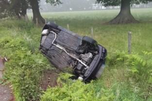 Auto in panne van pechstrook gereden op omleidingsweg in Zonhoven
