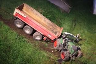Tractorbestuurder valt in slaap en belandt in berm naast E19