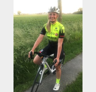 """Kim Knaeps (Sprinters Malderen) betaalt leergeld: """"Als debutante opboksen tegen de profs"""""""